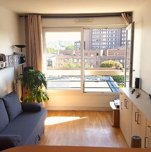 Very Bright 2 Room Apartment Just A Few Minutes From Paris Direct Bus photos Exterior