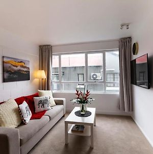 Boutique 1 Bedroom Apartment In The Heart Of Newmarket photos Exterior