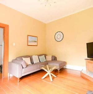 Sunny 4 Bedroom House In The Heart Of Mount Roskill photos Exterior