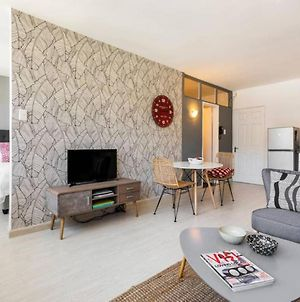 City Centre Apartment With Air Conditioning And Mountain Views photos Exterior