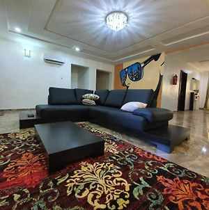 Beautiful 3Bed Modern Victoria Island Apartment With Pool photos Exterior