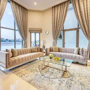 Gorgeous 5Br Villa With Private Pool On Palm Jumeirah photos Exterior