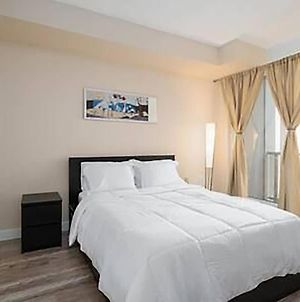 Modern Fully Furnished Downtown Suite Bloor Yonge photos Exterior