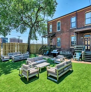 St. Louis Townhome-Perfect For Groups! photos Exterior