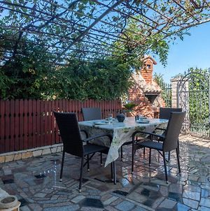 Nice Apartment In Pula W/ 2 Bedrooms photos Exterior
