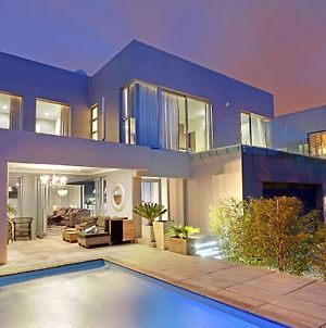 8 Bedroom Holiday Accommodation Cape Town photos Exterior