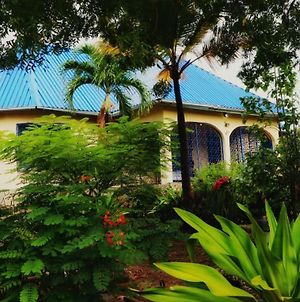 Spacious Diani Garden House photos Exterior