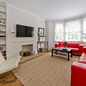 Gorgeous 3-Bed Garden Flat Beside Battersea Park photos Exterior