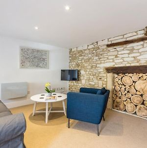 Charming Cotswold Apartments Next To Burford photos Exterior