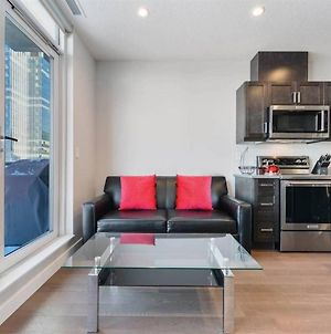 Luxury Condo! Steps Away From Rogers Place photos Exterior