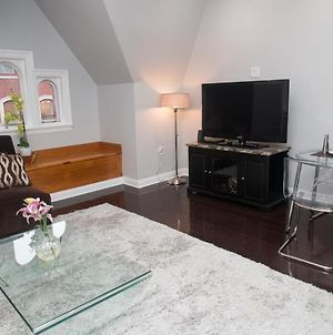 Newly Renovated Rittenhouse Brownstone 1Br Designer Furniture! photos Exterior