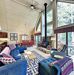 New Listing! Modern Cabin W/ Pool & Private Garage Home photos Exterior