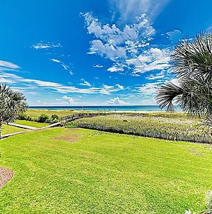 New Listing! Beachfront Gem W/ Pools & Docks Condo photos Exterior