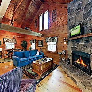 New Listing! Charming Cabin W/ Deck & Hot Tub Cabin photos Exterior