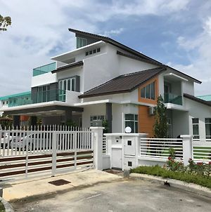 Sekinchan 6R 28-32Paxs With Private Swimming Pool photos Exterior