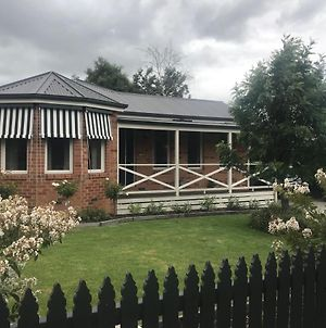 Acacia House - Central Healesville - Yarra Valley photos Exterior