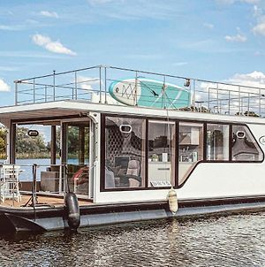 Awesome Ship/Boat In Havelsee W/ 1 Bedrooms photos Exterior