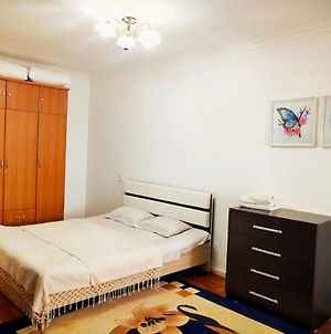 Cozy 2 Rooms Apartment In The Center, Free Wifi photos Exterior