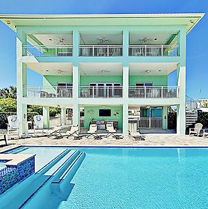 Modern Coco Plum Estate W/ Pool, Hot Tub & Dock! Home photos Exterior