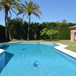 Villa 34121043 Goldedn Mile Marbella, 7 Bedrooms, Sleeps 14, Huge Private Pool, Just 300M From Beach photos Exterior