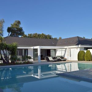 Modern 6 Bedroom Villa 34121545 Huge Private Pool, Only 500M From The Beach In Guadalmina Baja, Marbella photos Exterior