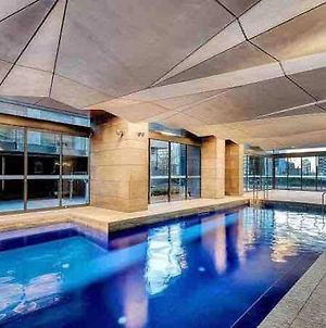 Cozy Gem With Poolgym In Mel Cbd@Southerncross photos Exterior