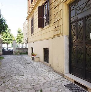 Welcome In 2 Bedroom Apartment In Rome photos Exterior