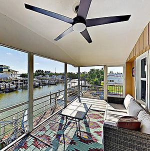 Canal-Side Condo With Private Dock, Boats & Bikes Duplex photos Exterior