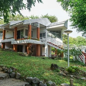 Family House With Private Beach Quite & Peaceful photos Exterior