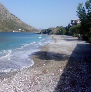 Waterfront Entire Beach House Below Geriakos Crag photos Exterior