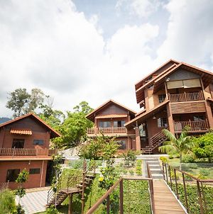 Red House The Garden Stay In Bukit Tinggi By Play photos Exterior