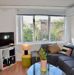 Stylish 1 Bedroom Apartment In Leafy Hawthorn photos Exterior