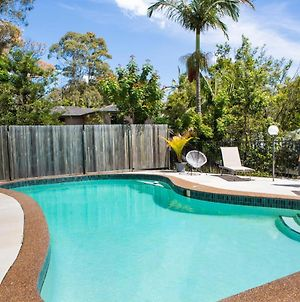 Tranquil Getaway Moments To Beach With Pool And Bbq photos Exterior