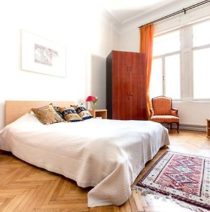 Apartment With 3 Bedrooms In Budapest With Wonderful City View Terrace And Wifi photos Exterior