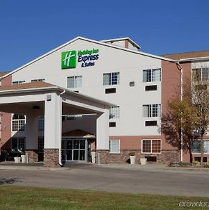 Holiday Inn Express Hotel & Suites Pierre-Fort Pierre photos Exterior