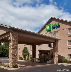 Holiday Inn Express Mount Pleasant- Scottdale, An Ihg Hotel photos Exterior