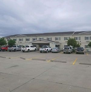 Days Inn & Suites By Wyndham Williston photos Exterior