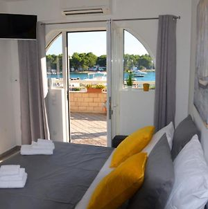 Studio Apartment In Trogir With Sea View, Terrace, Air Conditioning, Wi-Fi photos Exterior