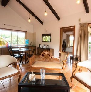 1 Bedroom Luxurious Apartment 5 Mins From Sinquerim Beach With A Private Lift. photos Exterior