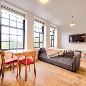 Altido Bright & Airy Apt Views Of Glasgow Green With Parking photos Exterior