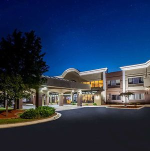 Days Inn & Suites By Wyndham Rochester Hills Mi photos Exterior