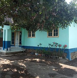 Lopan Homestay photos Exterior