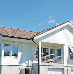 Holiday Home Sandlyckevagen Vastra Frolunda photos Exterior