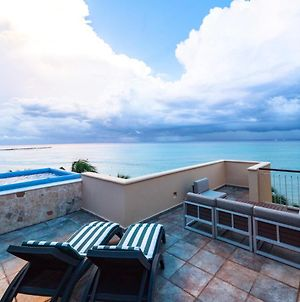 Beachfront Penthouse At El Faro Reef 401 photos Exterior