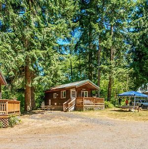 Chehalis Camping Resort One-Bedroom Cabin 2 photos Exterior