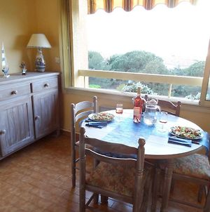 Studio In Six Fours Les Plages With Wonderful Sea View And Shared Pool 50 M From The Beach photos Exterior