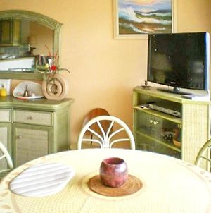 Apartment With One Bedroom In Le Lavandou With Wonderful Sea View And Furnished Balcony 50 M From The Beach photos Exterior