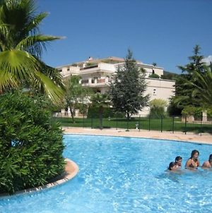 Apartment With One Bedroom In Carqueiranne With Pool Access Enclosed Garden And Wifi 70 M From The Beach photos Exterior