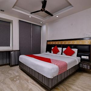 Oyo Rooms Noida Botanical Garden photos Exterior