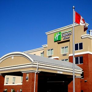Holiday Inn Express Hotel & Suites Fort Saskatchewan photos Exterior